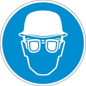Fejvédő és védőszemüveg használata kötelező!